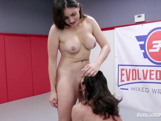 Valentina Bellucci Riding Cock In Wrestling Vigour vs David