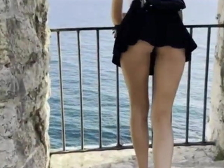 Public Glittering – Pussy increased by Buttplug