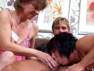 Two German Mature Tricked Youngsters on touching FFM Threesome Sex