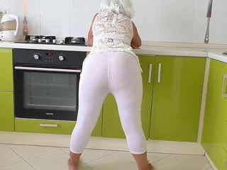 Depraved mom asked stepson to leman her in the ass