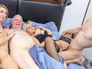 Au-pair trying an old cock
