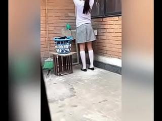 Se COGE a su VECINA Colegiala Adolescente Después de LAVAR Freeze ROPA! Freeze Convence Poco a Poco Mientras NO Están sus PAPáS! Mexicanas Putas! Sexo Amateur! (Segunda parte)