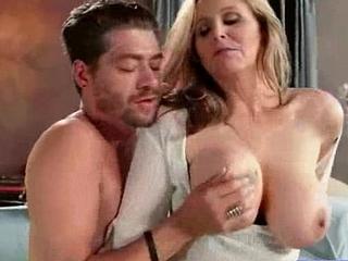 Milf (julia ann) Back Adjacent to Chubby Tits Adore Animalistic acquaintanceship movie-18