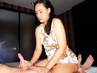 Amateur Asian MILF gives full subsidy massage close to handjob and blowjob