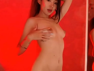Gorgeous asian cam ungentlemanly