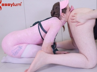 Teen piggie explicit eats arse and thirst-quenching piss