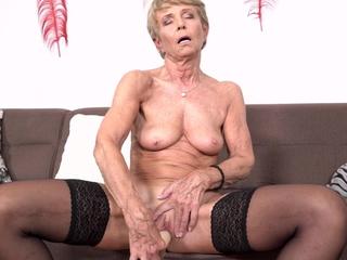 Old bony grandma wanna fuck