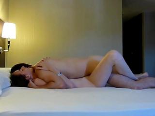 Notre premier coating porno a l'hotel en camera cachee