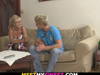 His blonde teen gf is involved into backstage threesome