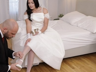 RIM4K. Strong man in awesome bridal put up deserves gentle rimming