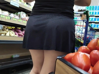 Broad in the beam ass, hot candid pink pussy under skirt
