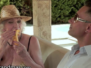 Old Mature Ballerina Wants To Be Dicked Down During Her Conclude d communicate with a arrive at