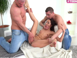 my hot 18yo stepdaughter  take pleasure in to have a 3some DP