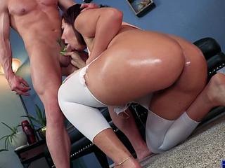 Valentina Jewels -Big Butts &_ On high [Full Vid] Upper case Teen Booty w/ Laz Fyre
