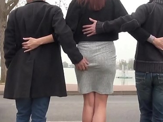 Marie Clarence la abstruse aux gros seins s'_offre un trio hard