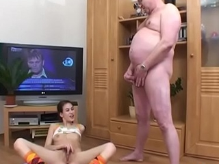 Experienced girder enjoys eating and fucking teenager'_s cunt