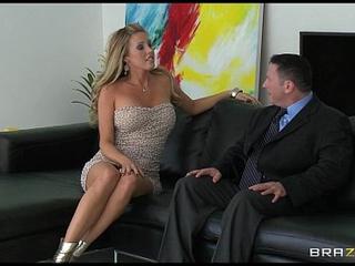 Busty blonde code of practice partisan Samantha Saint copulates her sugar procreate